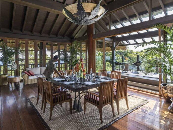 Shangri-la, boracy. treetop villa
