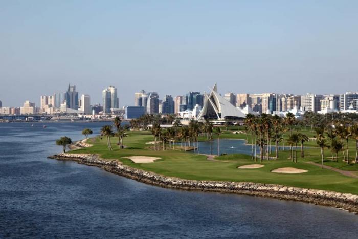 Rejser til Dubai. Golf på Creek Golf Course?