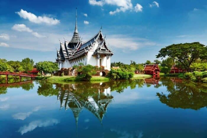 Thailand. Sanphet Prasat Palace, parken