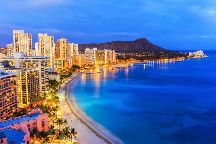 Rejser til Hawaii. Honolulu er vokset til en by og et resort område of betydelig størrelse