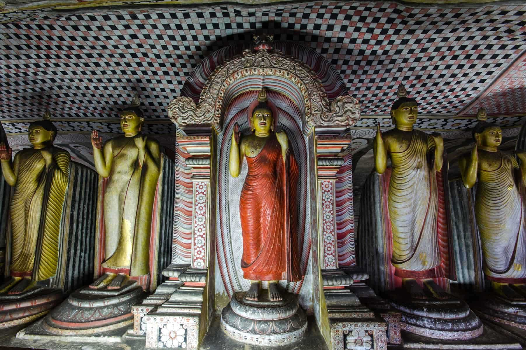 Dambulla, UNESCO World Heritage Site, Central Province, Sri Lanka, Asia.