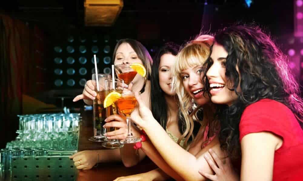 Tignes Saloon Bar