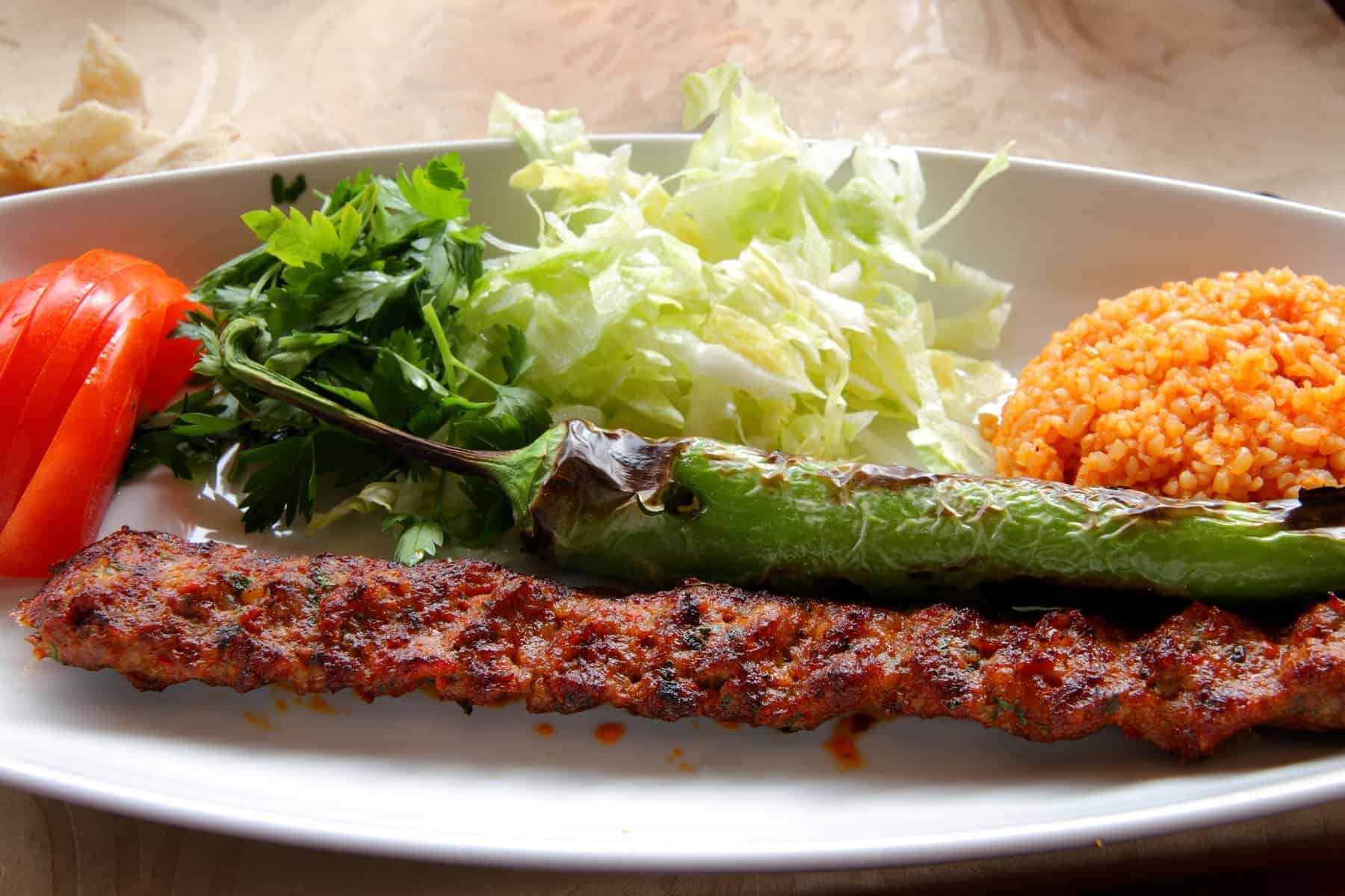 Adana Kebab with dressing, tyrkisk mad