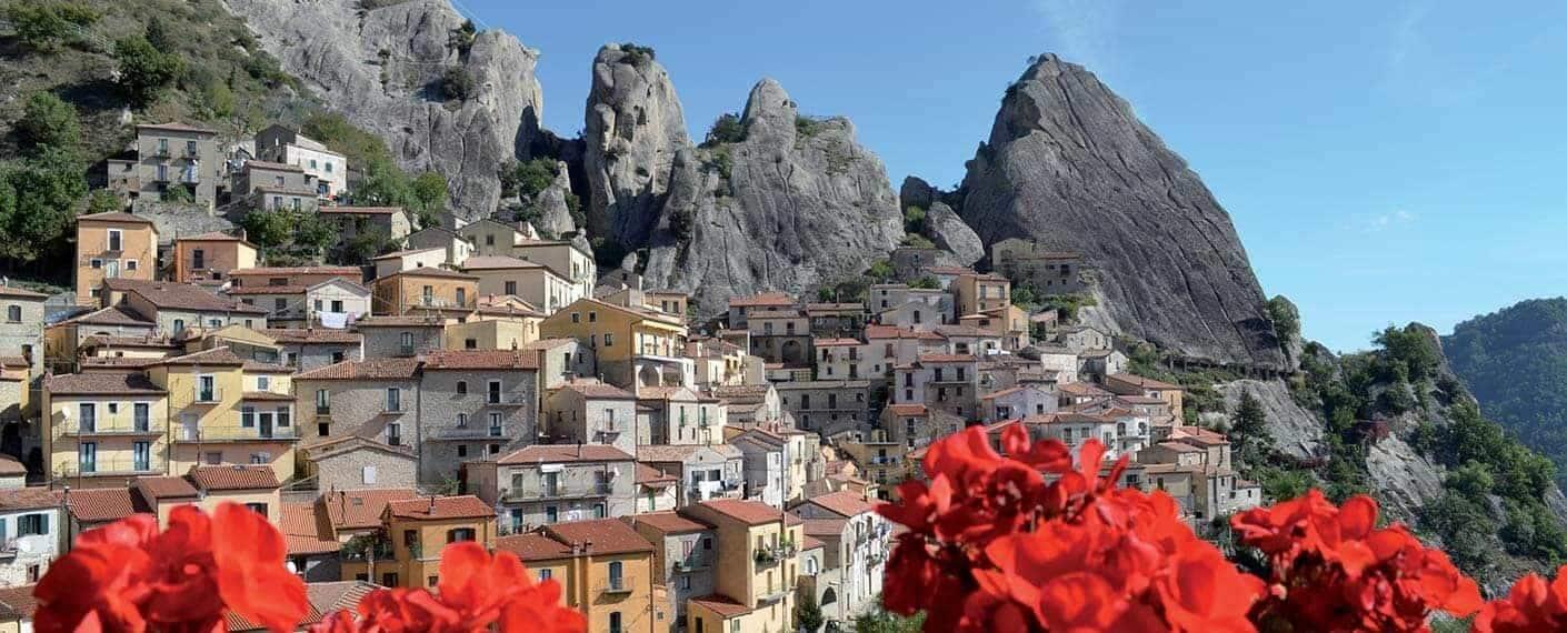 Castelmezzano,´s sorte klipper og smukker sommer