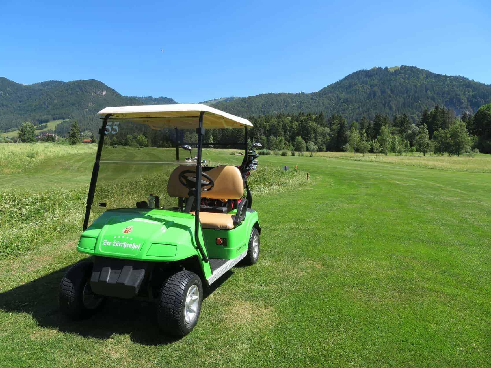 Lärchenhof golf cart på banen