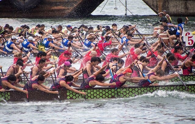 hong-kong-dragon-boat-races-victoria-harbour