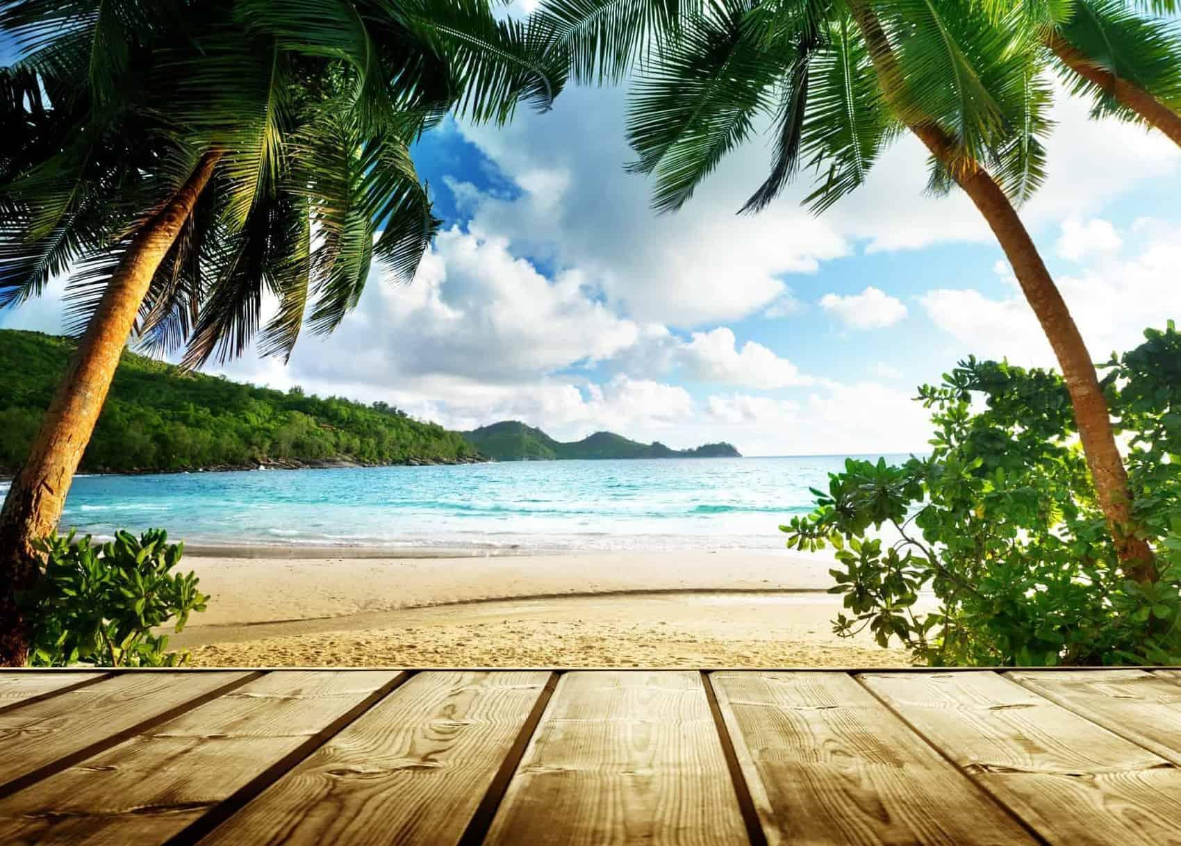 Seychelles-wooden-pier