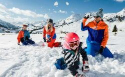 Obertauern familie leg i sne