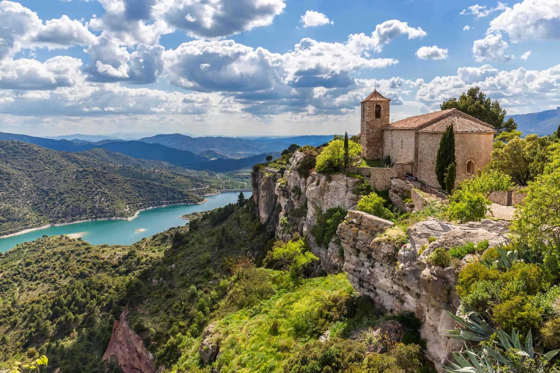 Romersk kirke. Santa Maria de Siurana i Catalonia