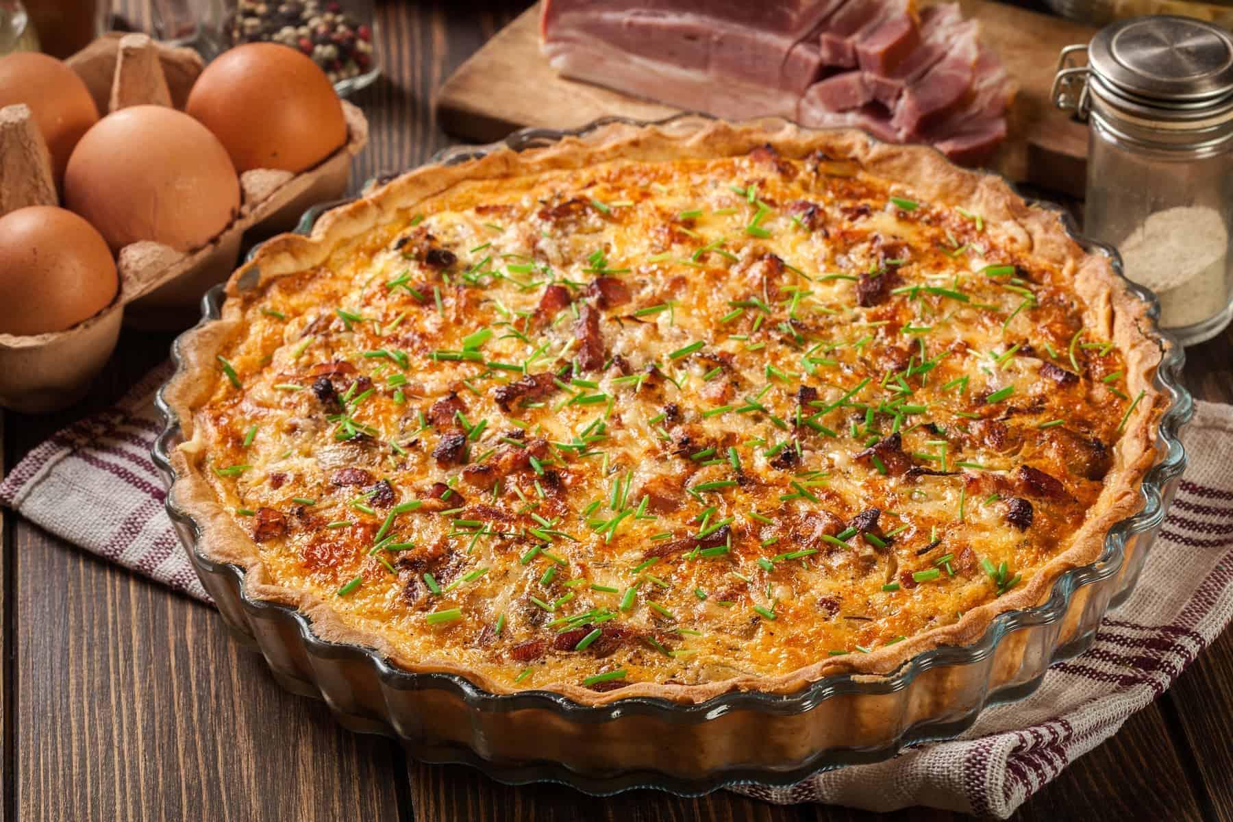 Quiche Lorraine med bacon og ost Det franske køkken, npr det er enkelt og landligt