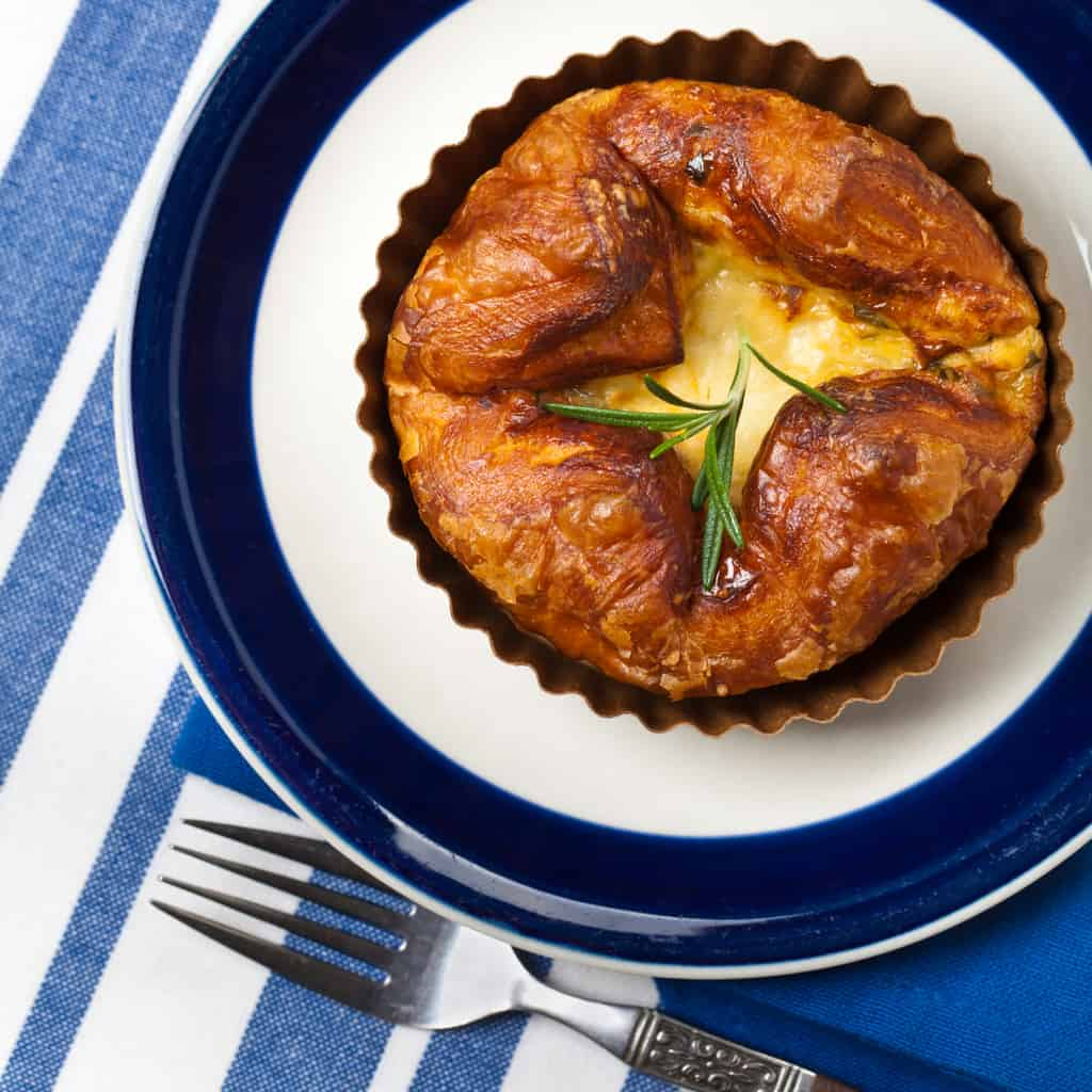 Souffle with baked eggs