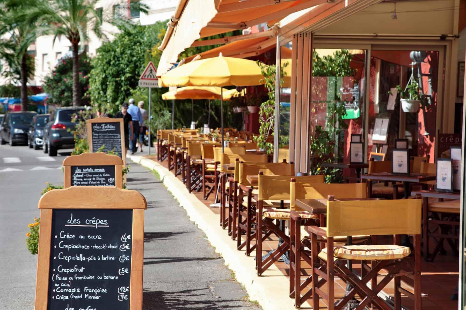 Fransk mad er synonymt med de hyggelige fortorvs restauranter