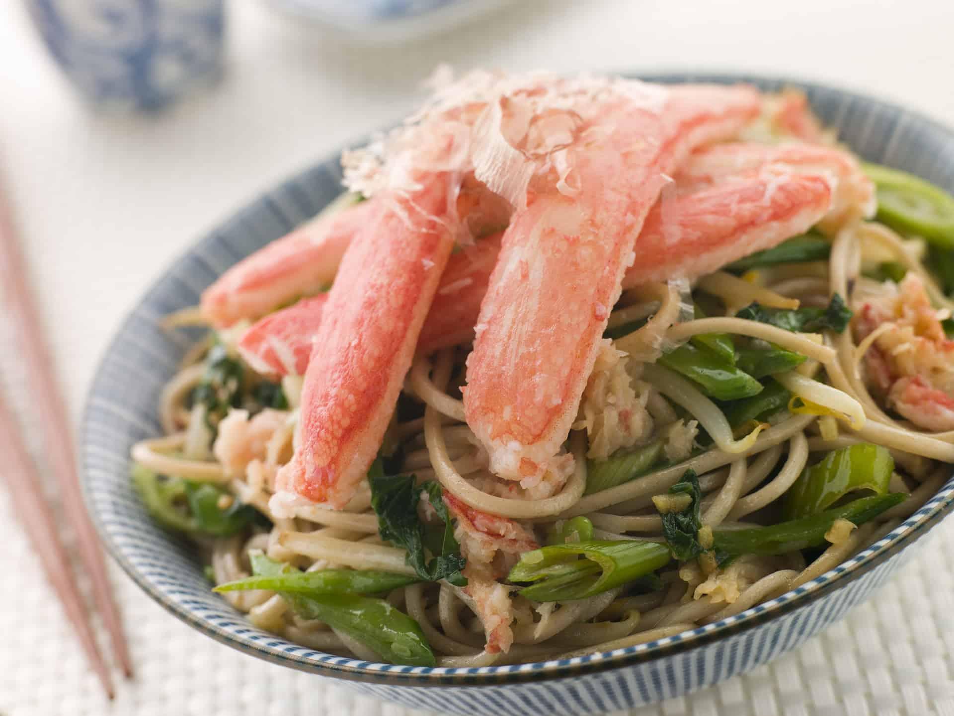 Snow Crab ogSoba Noodle Salad og naturligvis chopsticks