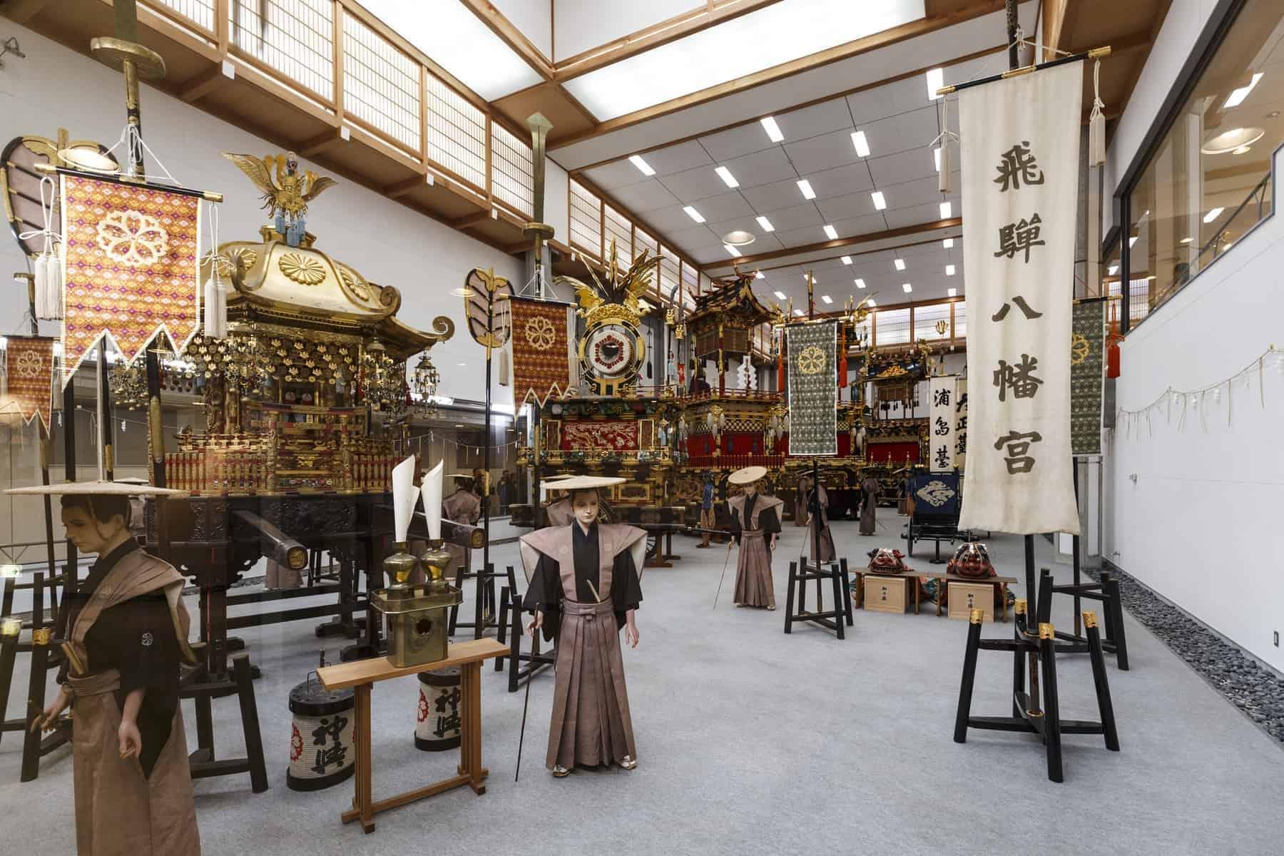 Takayama Matsuri Yatai Kaikan, en udstilling ved siden af Sakurayama Hachiman Shrine. Rejser til Japan