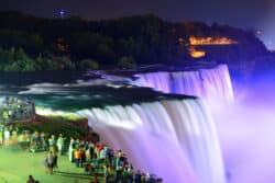Vitus Rejser. Niagara Falls, Canada, at night
